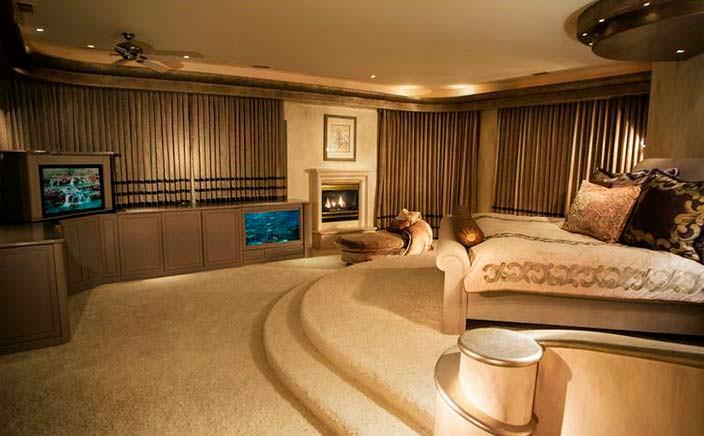 Спальня с размахом в доме Эдди Мерфи