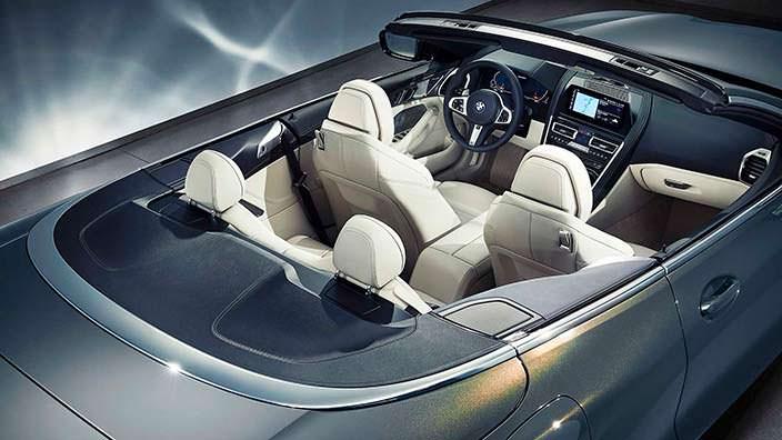 Четырехместный салон BMW 8 Series Convertible