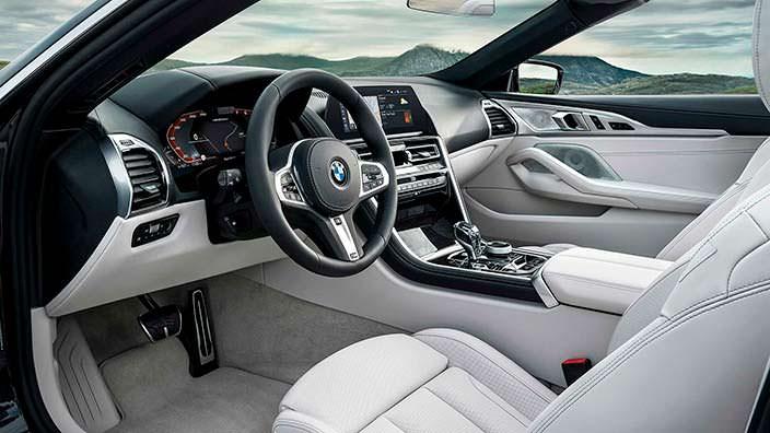 Фото салона BMW 8 Series Convertible