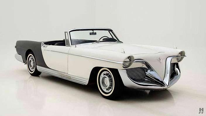 Ретро-кабриолет Cadillac Die Valkyrie 1955 года выпуска