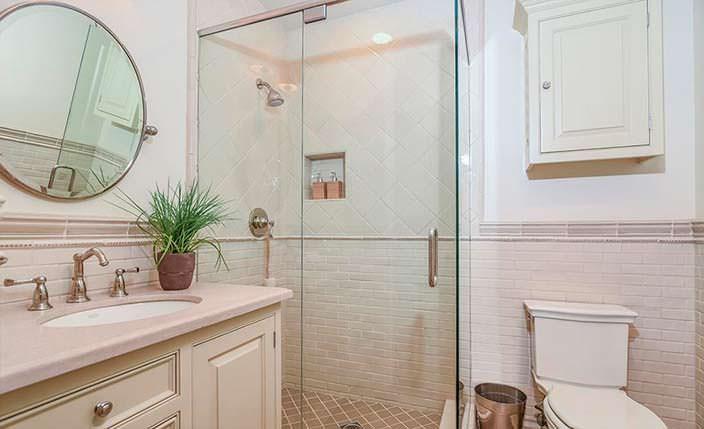 Дизайн ванной комнаты в светлой палитре