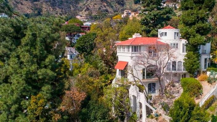 Дом Марлона Брандо в стиле замка