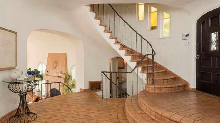 Дизайн круговой лестницы в доме
