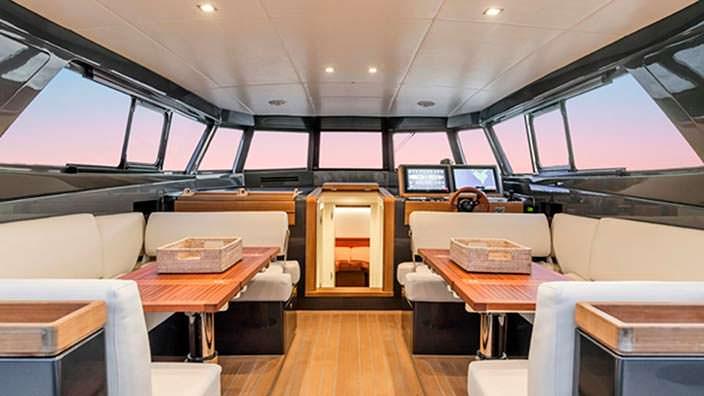 Кокпит катера Nauta Tender 48