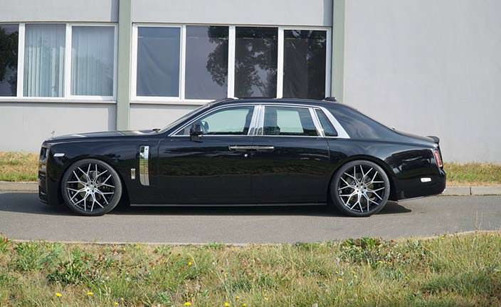 Седан Rolls-Royce Phantom VIII. Тюнинг от Mansory