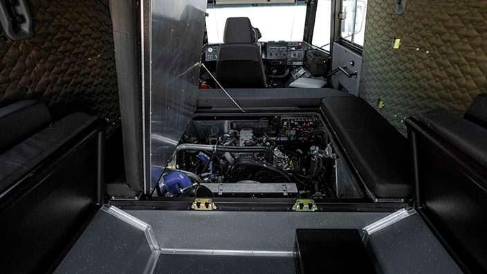 Двигатель Hyundai D4BH с доступом из салона КРЕЧЕТ Z 210-91