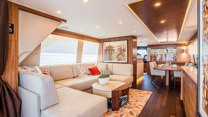Салон яхты Joy от Van der Valk