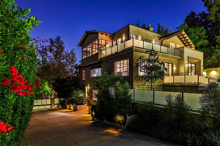 Дом Рианны в Голливуде за $7,5 млн