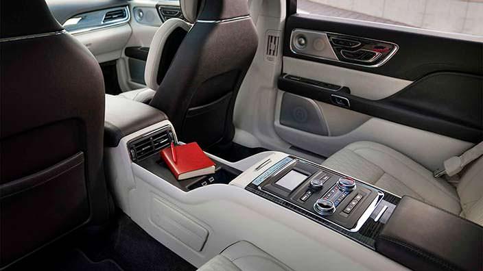 Консоль между сиденьями Lincoln Continental Coach Door Edition