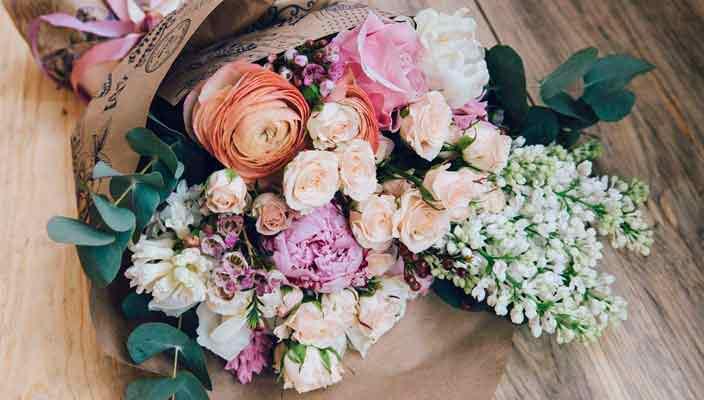 Цветы с доставкой на дом - оптимальное решение в праздник