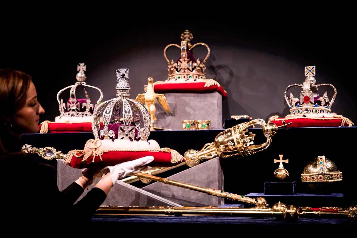 Найдорожчі корони світу. Рейтинг ТОП-5, фото та ціни
