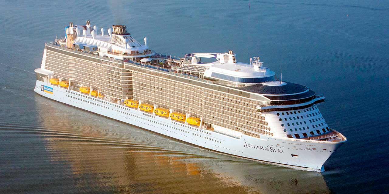 Огромный круизный корабль Anthem of the Seas