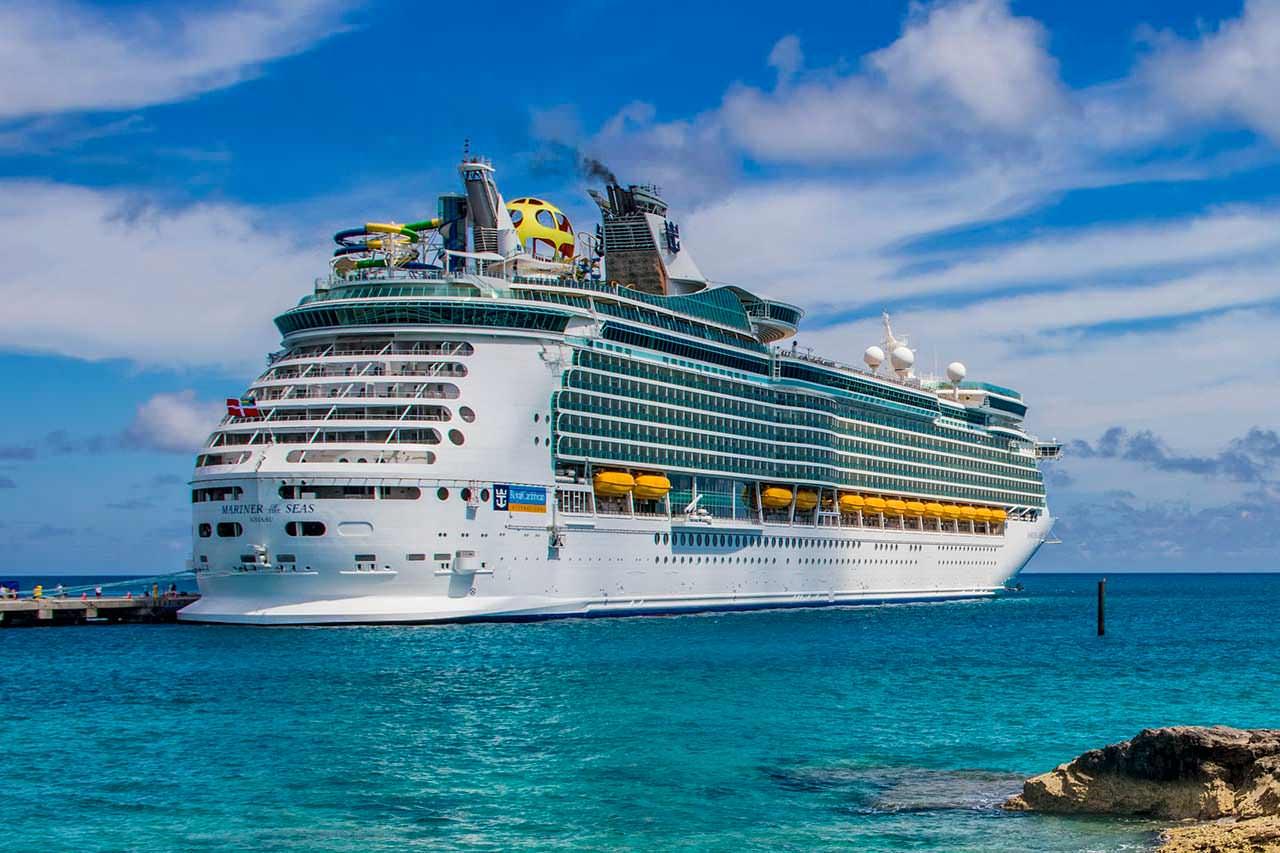 Самый большой круизный корабль Mariner Of The Seas