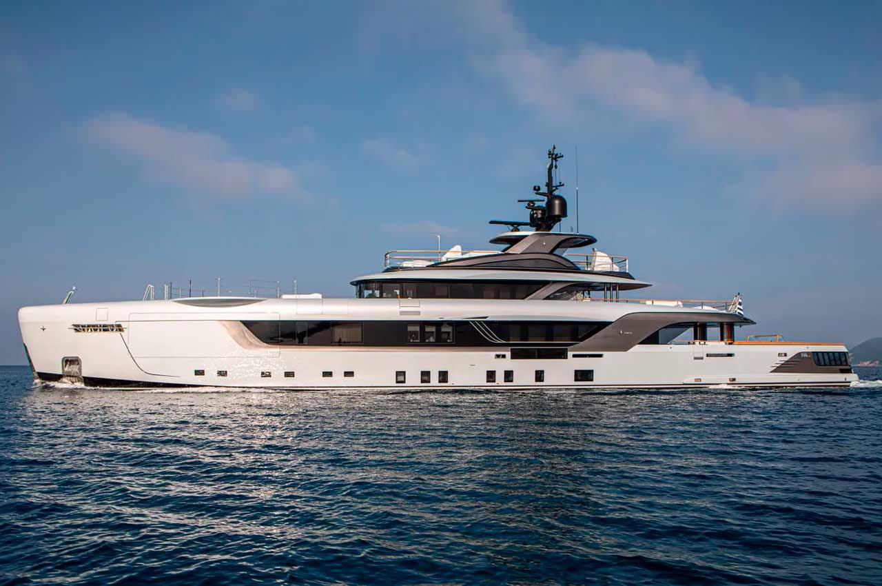 Admiral доставил новую 55-метровую суперъяхту Geco | фото