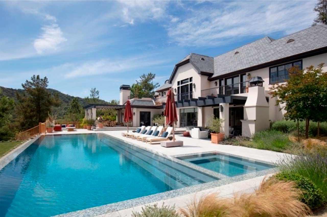 Джастин Бибер купил дом в Беверли-Хиллз. Цена и фото