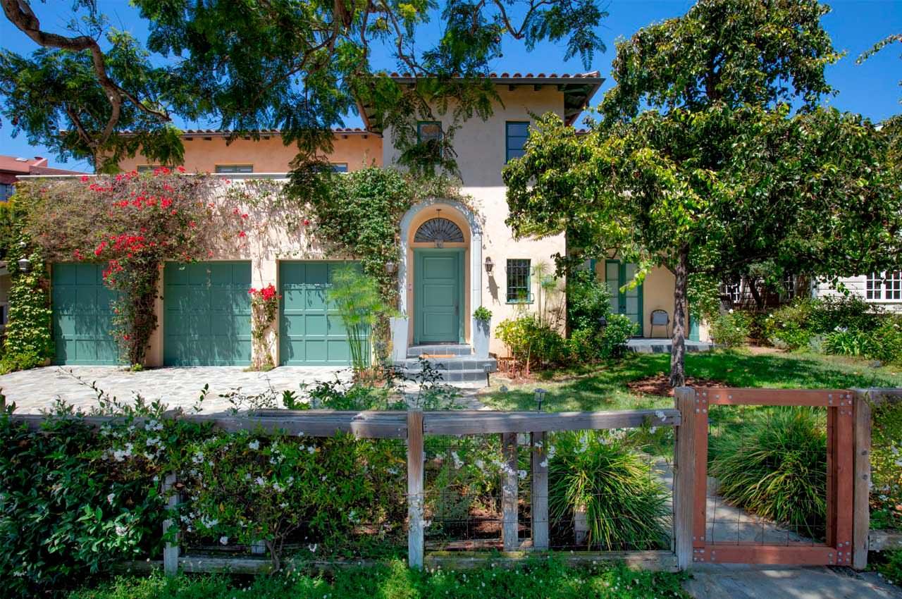 Джина Дэвис продала дом Пасифик Палисадес за $5,6 млн | фото