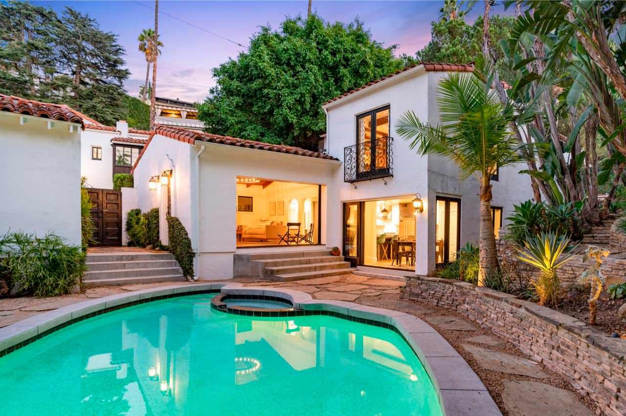 Актриса Кэтлин Робертсон продаёт дом в Голливуде | фото, цена