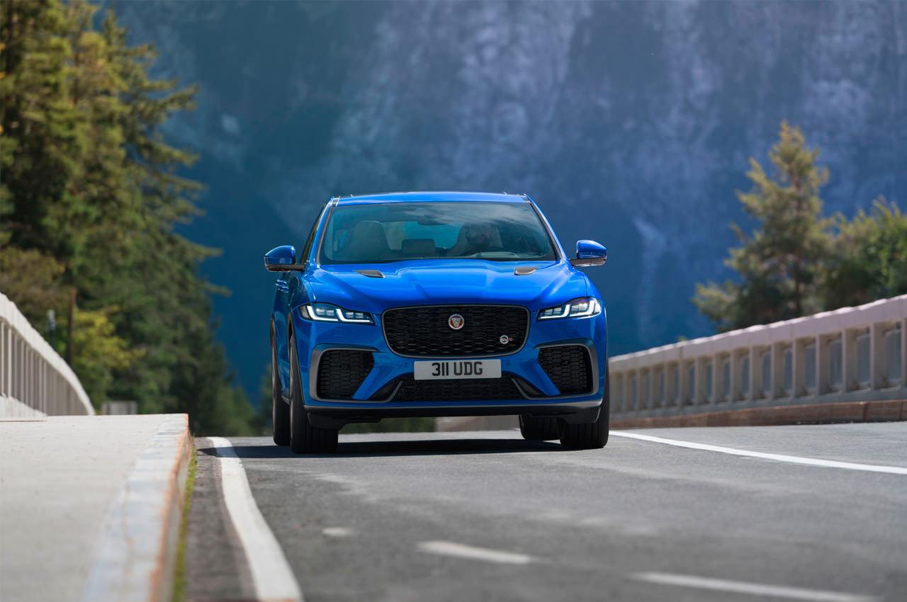 Новый Jaguar F-Pace SVR 2021 года: быстрее и роскошнее | фото