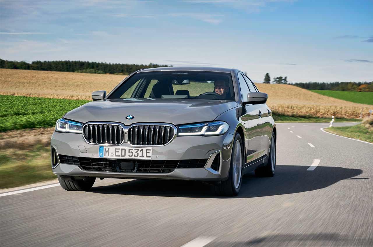 BMW выкатила новые плагин-гибриды 320e и 520e 2021 года | фото