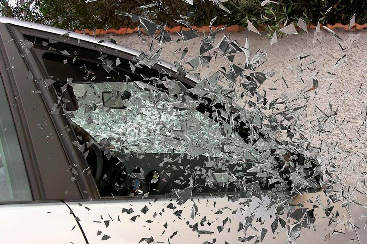 Замена автомобильных стёкол. Как это происходит?