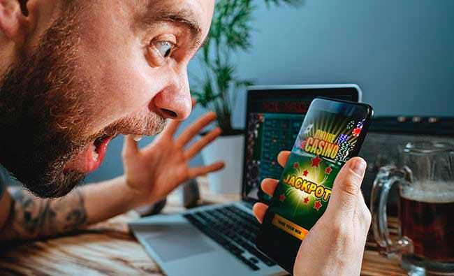 Бонусы в казино Джокер: кешбэк и программа лояльности