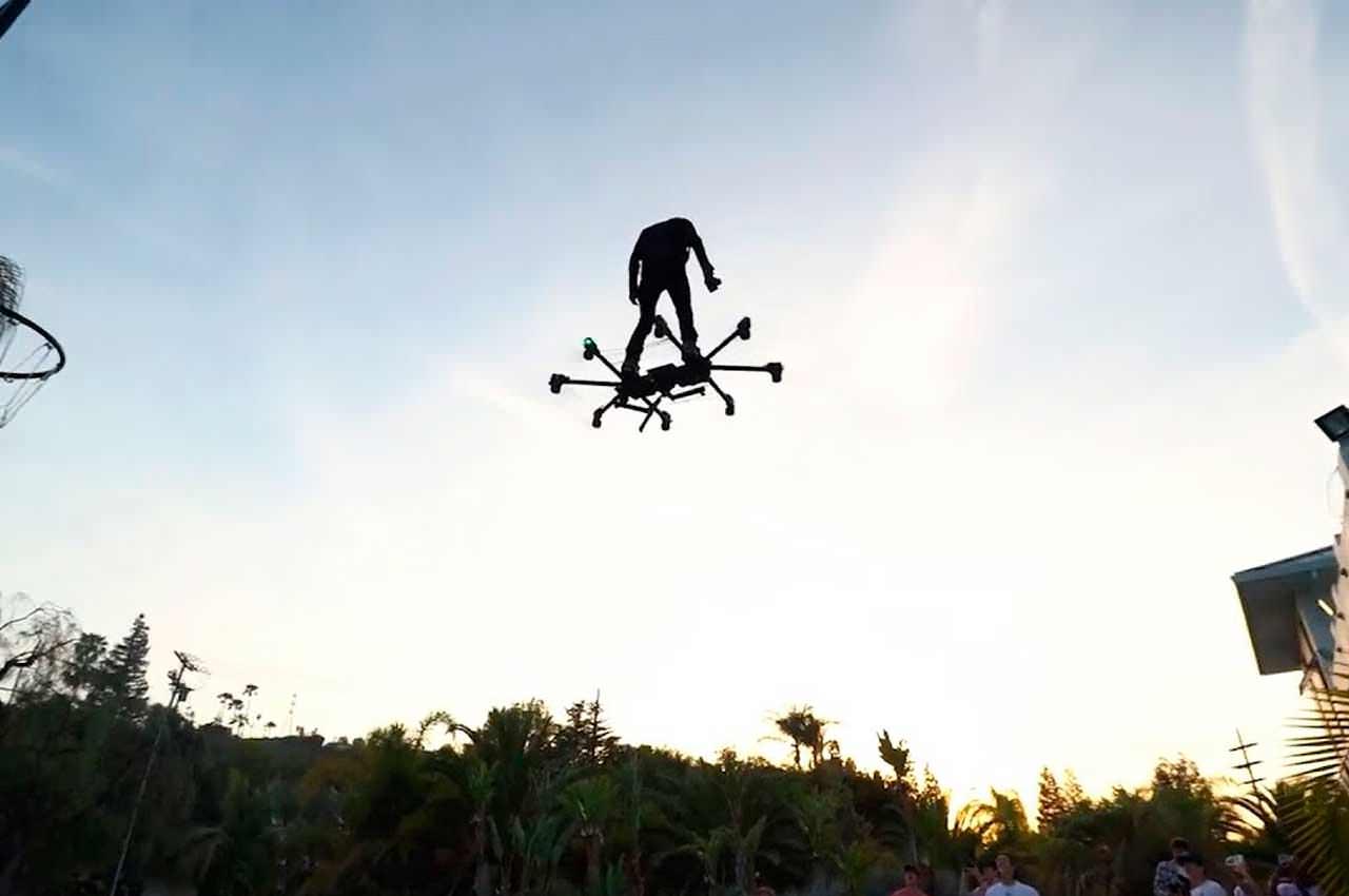 Первый летающий ховерборд создал изобретатель Хантер Ковальд