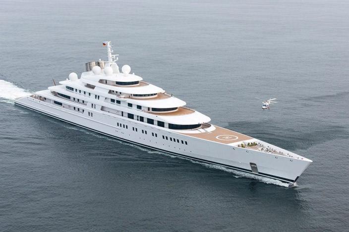 Самая дорогая яхта в мире #3 Azzam. Цена $500 млн.