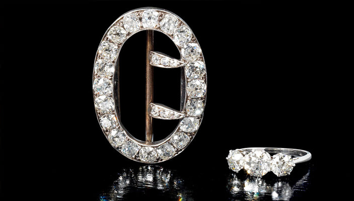 Брошь и кольцо Агаты Кристи