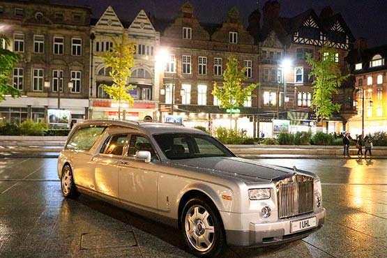 Фото | Элитный катафалк Rolls-Royce
