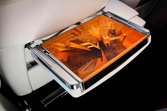 Фото | Столик в салоне Rolls-Royce Phantom Metropolitan