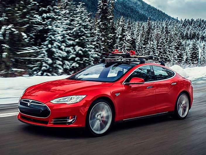 Фото | Tesla Model S P85D с лыжами на крыше