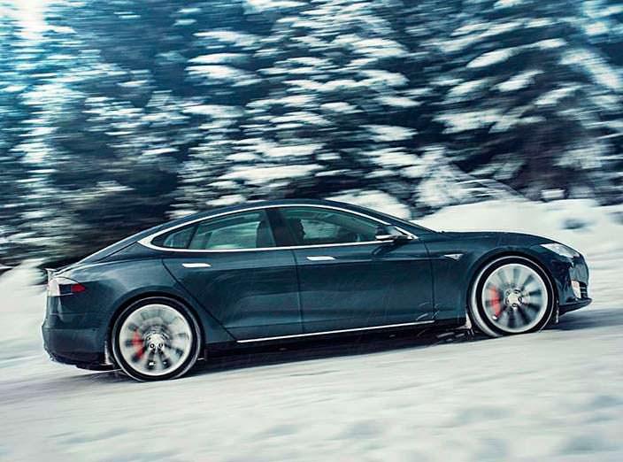Быстрый электрокар Tesla Model S P85D