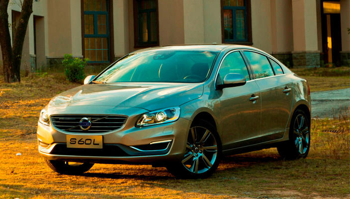 Удлиненный седан Volvo S60L выезжает из Китая | фото, цена
