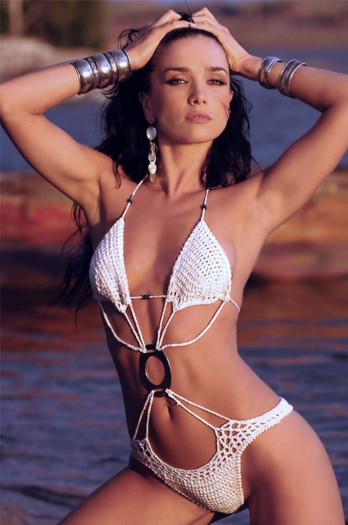 Наталия Орейро в бикини