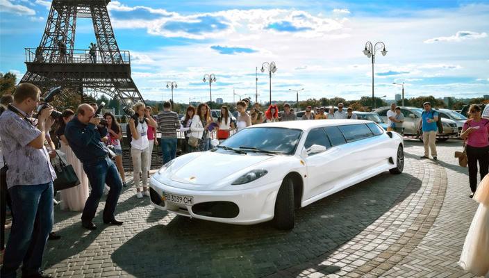 Лимузин на прокат в Харькове. Где найти лимузин на свадьбу?