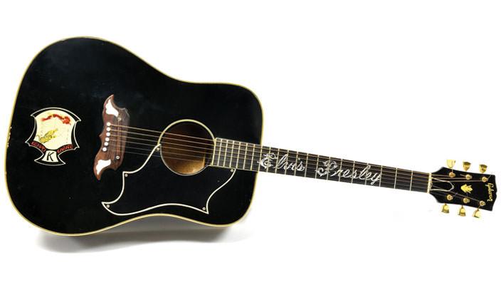 Гитара Элвиса Пресли Gibson Ebony Dove уйдет с торгов   фото