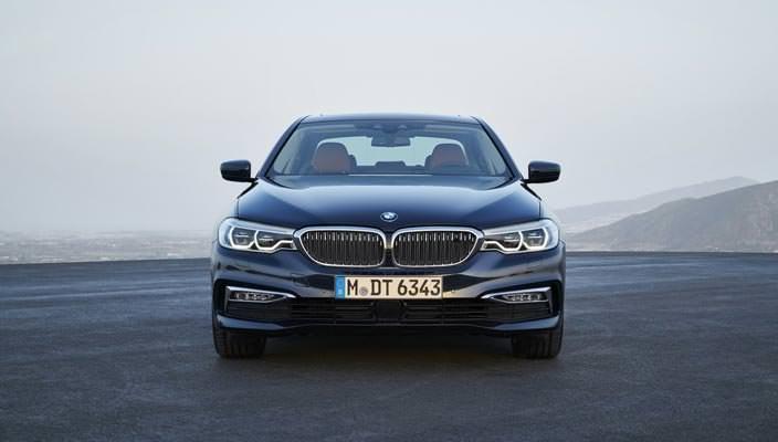 Новая BMW 5-Series G30 2017