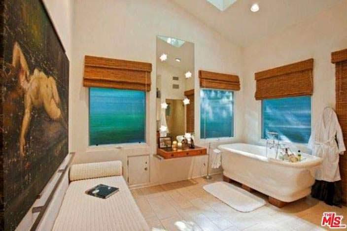 Ванная комната просто и со вкусом