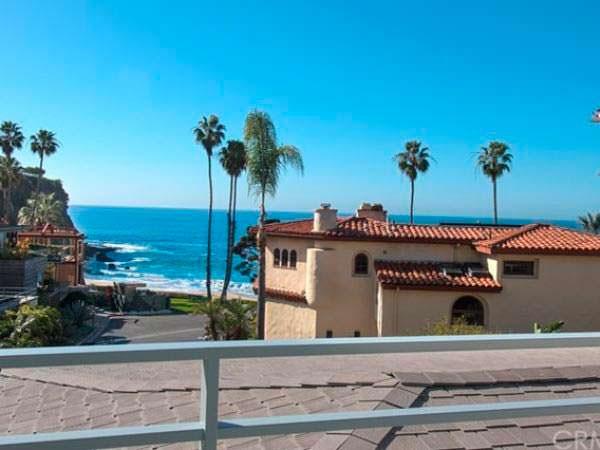 Вид на океан с балкона