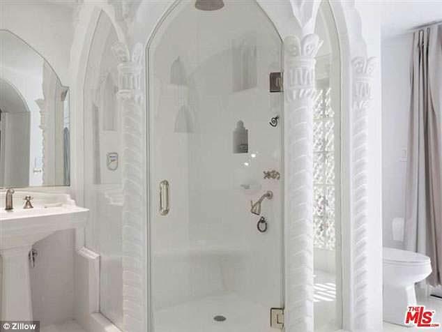 Ванная в испанском стиле