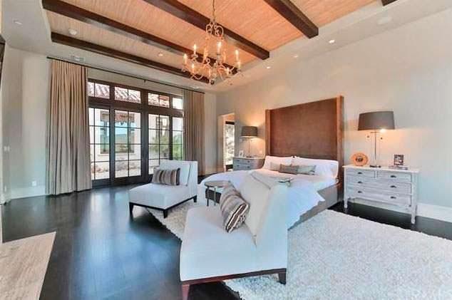 Спальня в доме Бритни Спирс