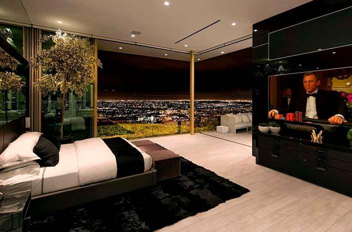 Панорамная спальня. Вид на Лос-Анджелес