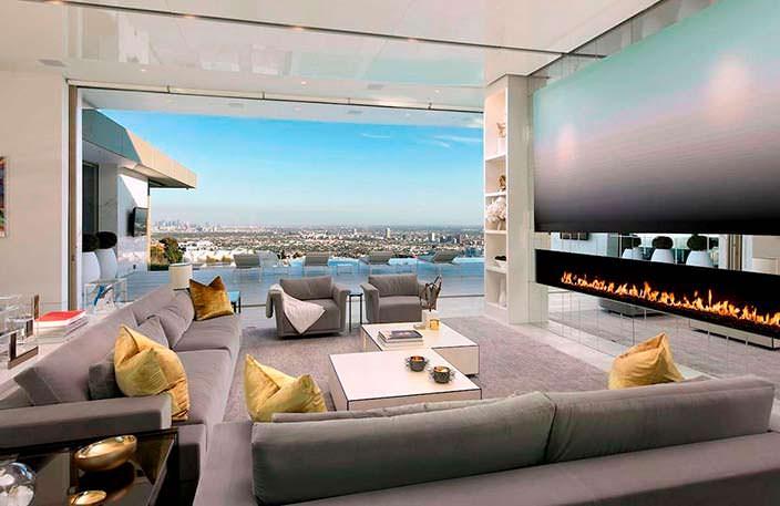 Панорамная гостиная. Вид на Лос-Анджелес