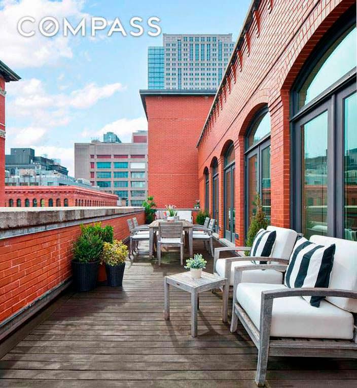 Квартира с террасой в Нью-Йорке