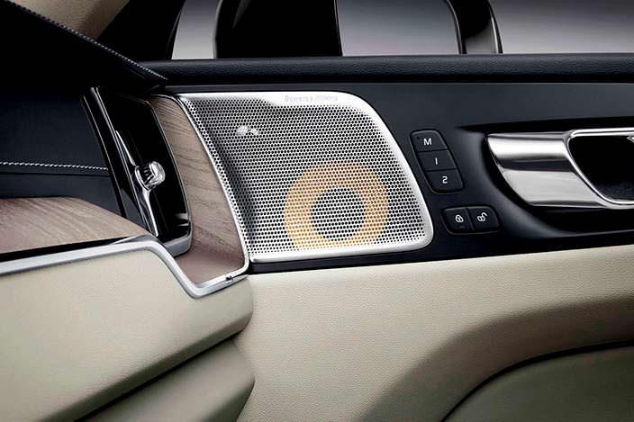 Динамик в двери Volvo XC60