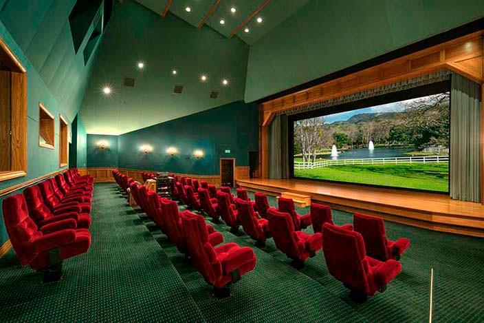 Частный кинотеатр на 50 мест на территории усадьбы Джексона