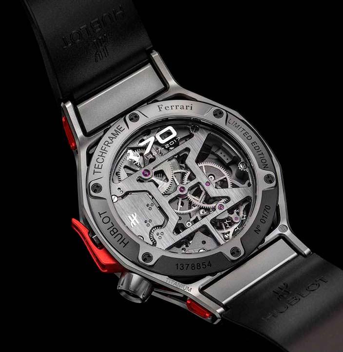 Прозрачная задняя крышка часов Hublot Ferrari