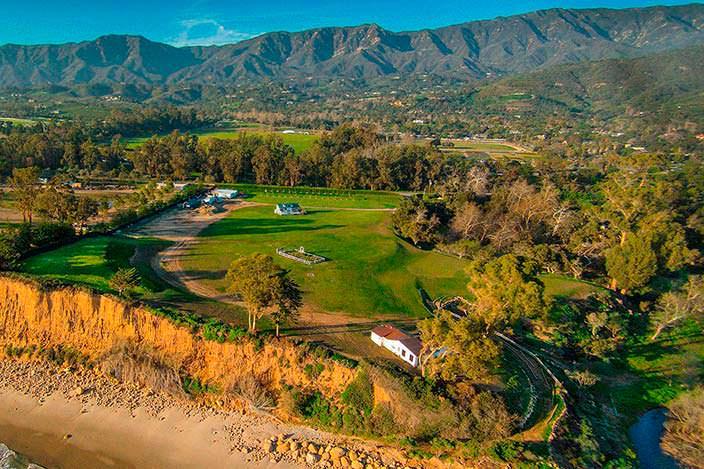 Фото   Дом с видом на горы Санта Барбары