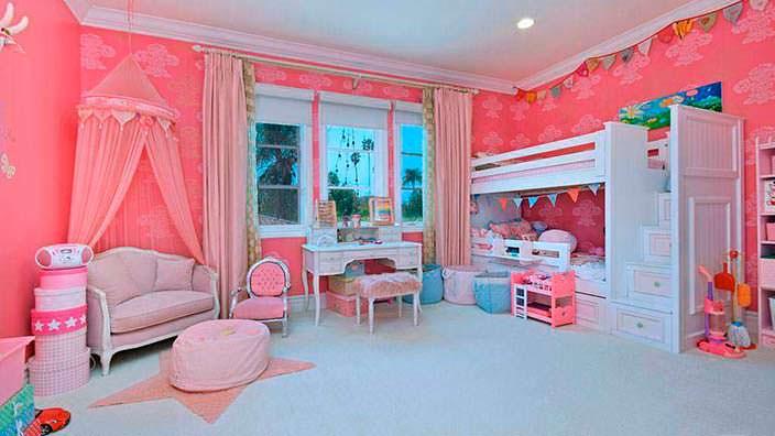 Фото | Розовая комната для девочки в доме Тори Спеллинг