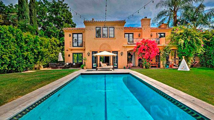 Фото | Дизайн дома в средиземноморском стиле в Энсино